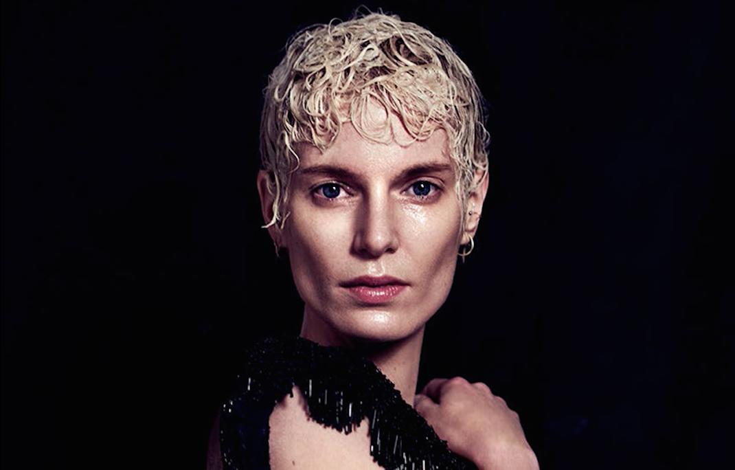 nackt Strubegger Iris Fashion Hairstyle