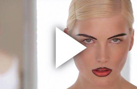 Gothic lips mit grafischen Augenbrauen