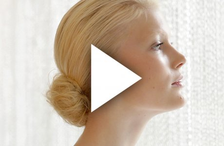 Chignon / Classic but slightly messy / hair-up
